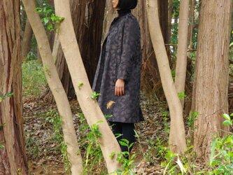 JACQUARD COAT ジャガードコート どんぐりの森 グレーの画像