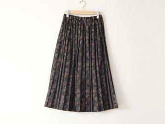 JACQUARD PLEATED SKIRT ジャガードプリーツスカート どんぐりの森 グレーの画像