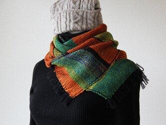 あざやかでオリエンタルな手織りマフラー 緑橙の画像