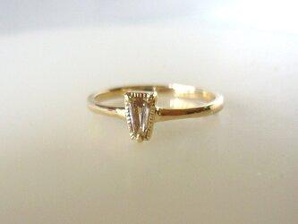 シャンパンカラーダイヤとK14の指輪の画像