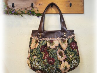 ジャガード生地のバッグの画像