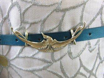 真鍮ブラス製 飛翔する鳥型帯留め 着物や浴衣の帯締めの飾り・ブレスやチョーカー飾りにの画像