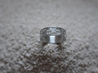 lace flowers ringの画像