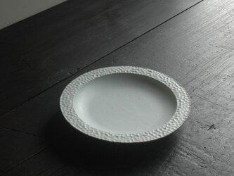 白結晶水玉リム大皿・8寸の画像