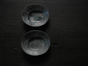 楕円変形小皿・黒の画像