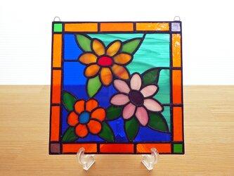 ステンドグラス ミニパネル 3色の花 15cmの画像