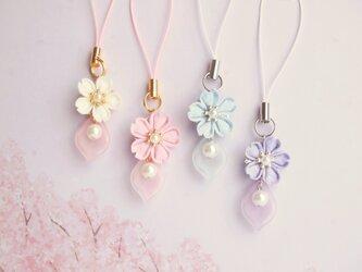 【さくら咲く】桜のストラップ *つまみ細工*の画像