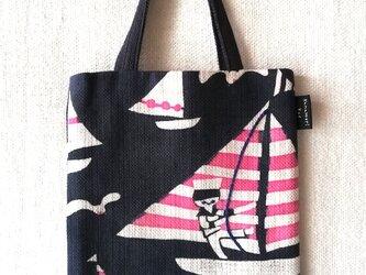 型染め ミニペタンコトート「ヨットの旅」の画像