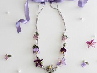 薄紫xシルバーコードのお花のネックレス⁂リボン留めの画像