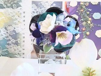 *irodoru*花恋。。**ビオラと白い水仙のバンスクリップ。。**の画像
