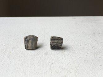 土の装身具 e ピアスの画像