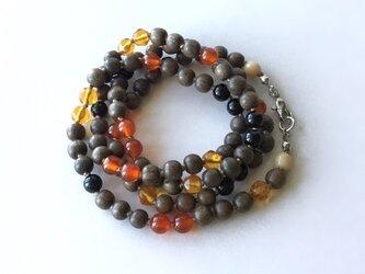 温かい色のネックレス /ウッドビーズ, ガラスビーズ, 天然石の画像