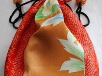 送料無料 絞りと花柄の着物で作った巾着袋 3982の画像