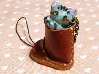 にゃんこのしっぽ○レザーブーツのストラップ〇さばとら猫の画像