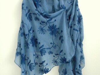 ◆100%自然素材 天然灰汁発酵建て 本藍染◆ 刺繍 大判ショールの画像