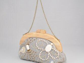 木製フレームのがま口バッグ ゆきのひの画像