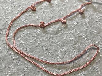 シルクタッチのポリエステル糸で編んだグラスコードの画像