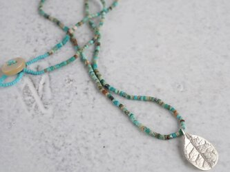 Feijoa leaf necklace (small) {P076SV(NS)}の画像