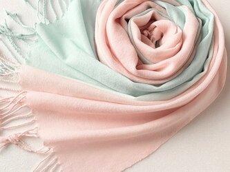 冬支度 手染めのウール*薄桜色×白群色*ストールマフラーの画像