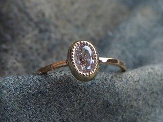 オーバルシェイプピンクダイヤモンドリングの画像