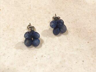 Quguriピアス「beads/紺」 の画像
