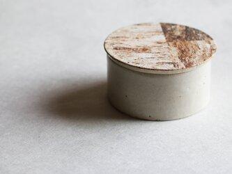 土模様のハコ(白釉)(Lサイズ)の画像