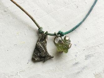 原石ネックレス ペリドットの画像