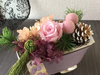 イリュームアレンジ・タッセルと西陣織リボン【プリザ+ドライ+造花】お正月に!の画像