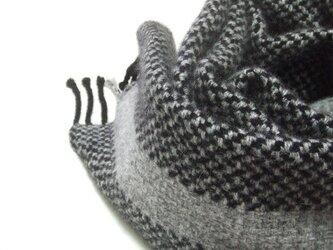 手織りカシミアマフラー・・ワンストライプ・グレーの画像