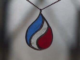 しずく(トリコロール) ネックレスの画像