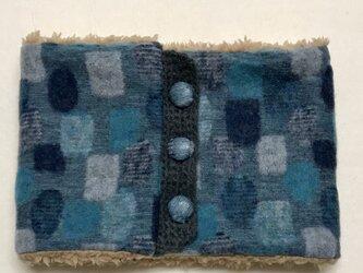 ドット幾何学模様(ブルー)+ふわふわプードルファーのネックウォーマーの画像