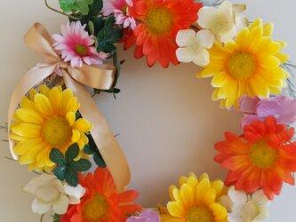 春を呼び起こす向日葵の華やかリース♬の画像