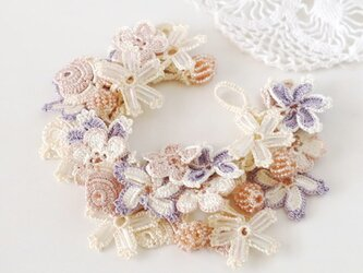 【再販】レース&ビーズのブレスレット「ビジュー」雪桜の画像