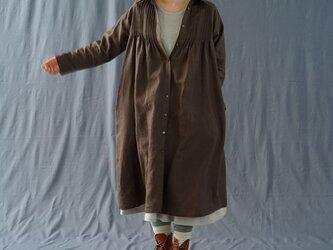 【wafu】厚地 リネン ワンピース 起毛 暖かい リネン 2wey シャツ襟 ピンタック 長袖/アドーブブラウン a81-28の画像
