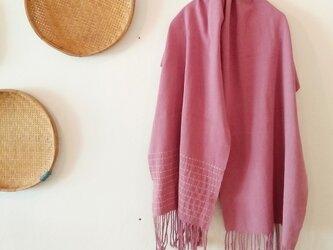 セール価格!タイの手織りちくちくストール/ 草木染め/ ピンク/ 164cmの画像