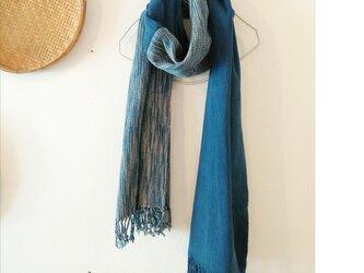 切り替えショール: 藍&まだら模様(送料無料、一点もの、草木染め、手織り)の画像