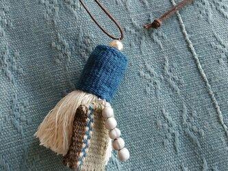 タイのカレンシルバーとフサフサのネックレス / 手織り布/ 草木染め/ ジュズダマ/ タッセル フリンジ/ コットンの画像