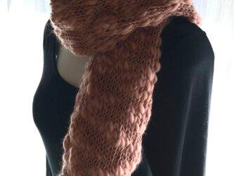 ポコポコ可愛いウィンターローズのふわふわマフラーの画像