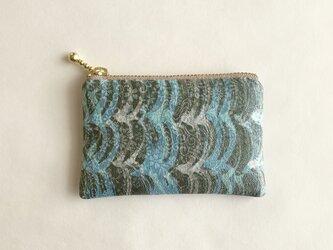 絹手染ミニポーチ(縦波・水色焦茶)の画像