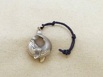 銀製の鈴 『 クジラ 』 (シルバー925) 根付・バッグチャームの画像