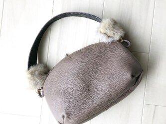 クラシックスタイル 3WAYバッグ 本革 グレー ラメ ミンクファー ハンドルの画像
