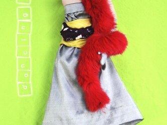 壁掛け人形 プチハリウッド 『赤いショール』の画像