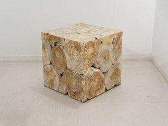 チーク キューブ型 木製 ブロックスツール ホワイトウォッシュの画像