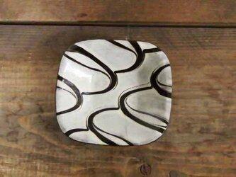 白い豆角皿4スリップウェアの画像