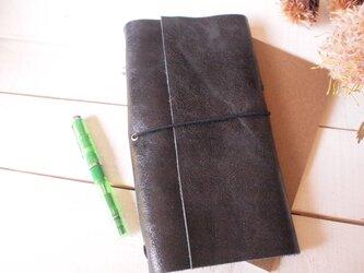 難?本革黒いクラック A5変形手帳カバー自然な切り口 モレ・トラベラーズの画像
