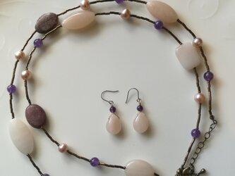 お得な福袋!天然石ネックレスとピアス/イヤリング パープルピンク系の画像