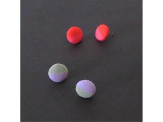 2色から選ぶ[両耳用イヤリング]ストライプ/E-9_S_COLORの画像