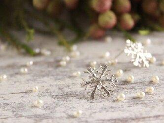 再販 雪の結晶ピアス シルバー(スタッドタイプ)の画像