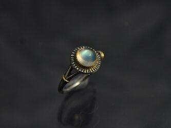 レインボー・ムーンストーン(ラブラドライト)の指環 ・ラウンドカボッション 1.84ctの画像