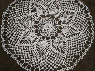 手編みレースドイリー直径約25㎝の画像